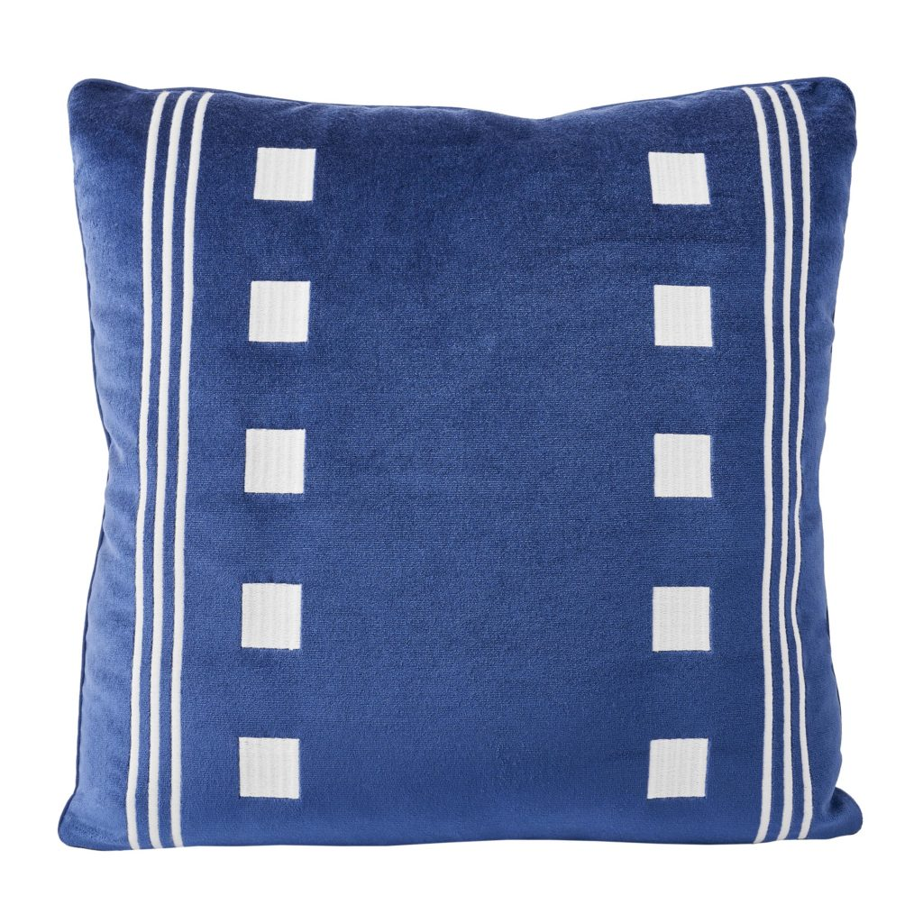 Fairways pillow in Denim